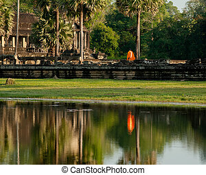récolter, voyage, moine bouddhiste, cambodge, thom, temple., siem, complexe, wat, angkor, destinations