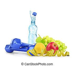 régime, concept, à, dumbbells, eau, mètre ruban, et, fruits, isolé, blanc, fond