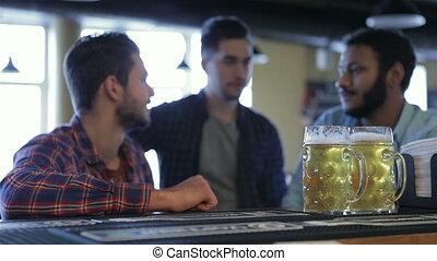 réjouir, hommes, trois, bière, victoire, équipe