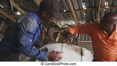 réparation, africaine, voiture, hommes