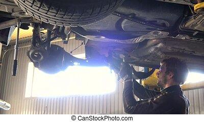 réparation, auto, light., contre, intensif, mécanicien, automobile
