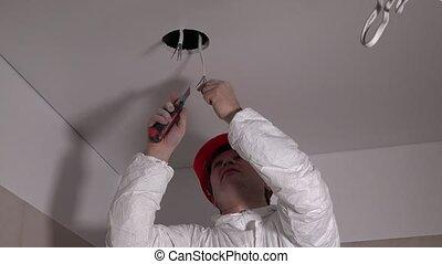 réparation, lumière, électricien, mâle, plafond