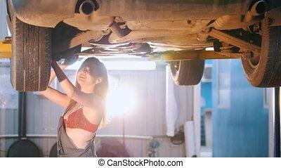 réparation, voiture, clair, éclairage, mécanicien, sexy, clé, girl