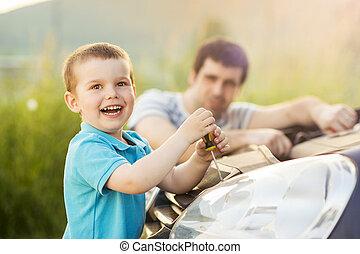 réparation, voiture, père, fils