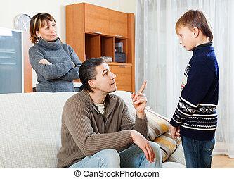 réprimander, adolescent, fils, parents