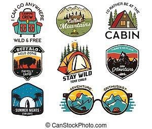 részvény, collection., húzott, természetjárás, tábor, logotypes, gyorsaság, vektor, elnevezés, kéz, emblems., utazás, elszigetelt, backpacking, set., jelvény, white., hegy, designs., surfing., szüret, jel, külső