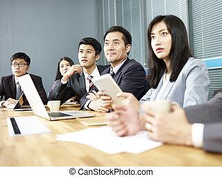 réunion, asiatique, bureau, professionnels