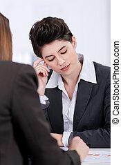 réunion, discuter, femmes affaires, bureau