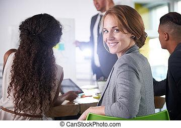 réussi, bureau, professionnels, ensoleillé, cadre, avoir, réunion, équipe