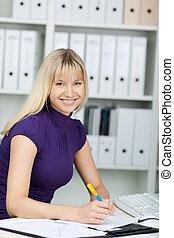 réussi, femme affaires, bureau bureau