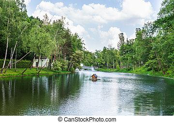río, en el parque