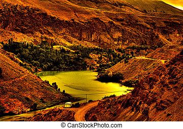 río, fluir, por, montañas