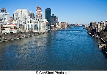 río oriental