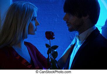 róża, między, miłość, czerwony, ludzie