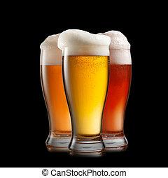 różny, odizolowany, piwo, czarne tło, okulary