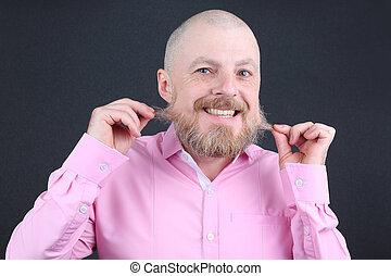 różowy, dotyka, jego, koszula, brodaty człowiek, broda