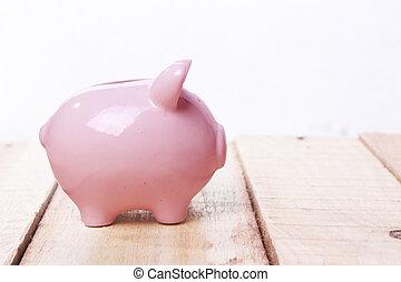 różowy piggy bank, na, drewniana kasetka