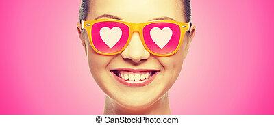 różowy, teenage, sunglasses, uśmiechnięta dziewczyna