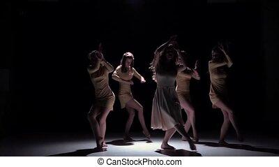rówieśnik, ruch, odzież, piątka, czarnoskóry, taniec, łania, cień, biały, powolny, tancerze