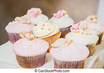 rózsaszínű, arany-, cupcakes, néhány, pattog, fehér, krém