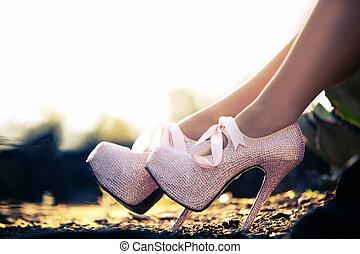 rózsaszínű, feláll magas, diamons, dönt, becsuk