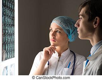 röntgen, colleagues, orvosi, kép, tanácskozik