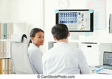 röntgen, orvosok, arcmás, dolgozó