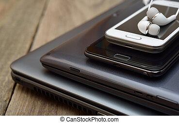 rörlig telefonera, kompress, laptop