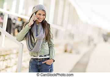 rörlig telefonera, kvinna, ung
