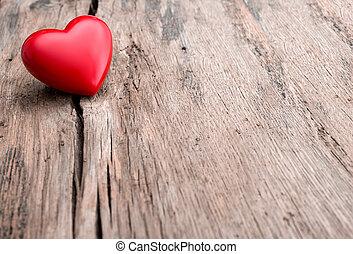 rött hjärta, in, spricka, av, trä planka