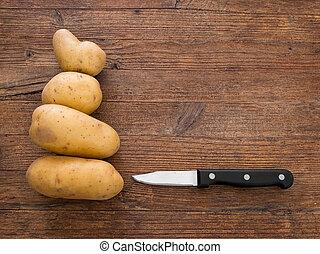 rústico, batatas, tábua, knife.