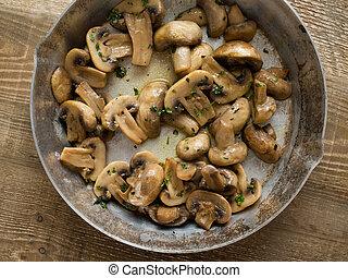 rústico, sauteed, cogumelos