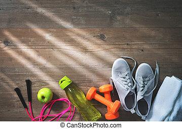 ręcznik, zdrowe jadło, wyposażenie, woda, sneakers, butelka, stosowność
