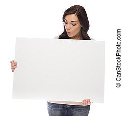 raça misturada, femininas, segurando, sinal branco, branco