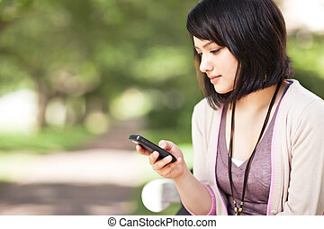 raça misturada, texting, estudante