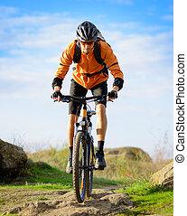 radfahrer, reiten, der, fahrrad, auf, der, schöne , berg,...