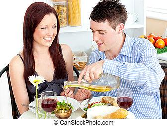 radiante, junto, tendo jantar, par, cozinha