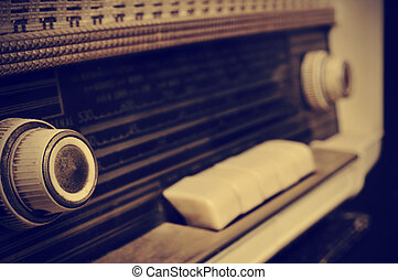 radio antica, in, sepia, intonando