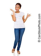 radosny, młody, afrykańska amerykańska kobieta