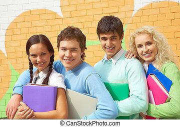 radosny, nastolatki