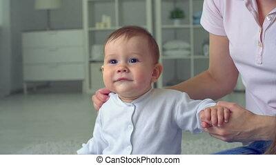 radosny, niemowlę