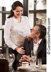 radosny, restaurant., restauracja, para, wiek średni, patrząc, inny, dojrzały, każdy