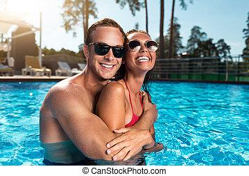 radosny, spoczynek, para, kałuża, pływacki