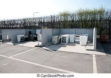 (raee), リサイクリングセンター, イタリア語