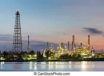 raffineria petrolio, fabbrica, con, alba, cielo, fondo