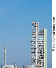 raffineria petrolio, pianta industriale, con, cielo
