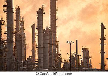 raffinerie, huile, levers de soleil