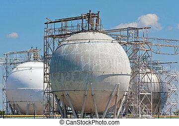 raffinerie, tanks réservoirs