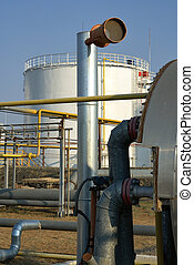 raffinerie, tanks réservoirs, vue
