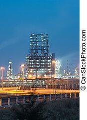 rafinerie, průmyslový nechat na holičkách, s, píle, bojler, v noci